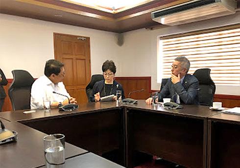 DOLE(フィリピン労働雇用省)大臣との会談(牧前厚生労働副大臣)